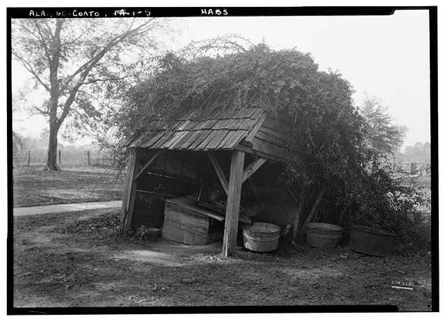 5.  Historic American Buildings Survey Alex Bush, Photographer, November 11, 1936 NORTH AND EAST SIDES OF OLD WELL AND WELL HOUSE - Henson House, State Route 28, Coatopa, Sumter County, AL
