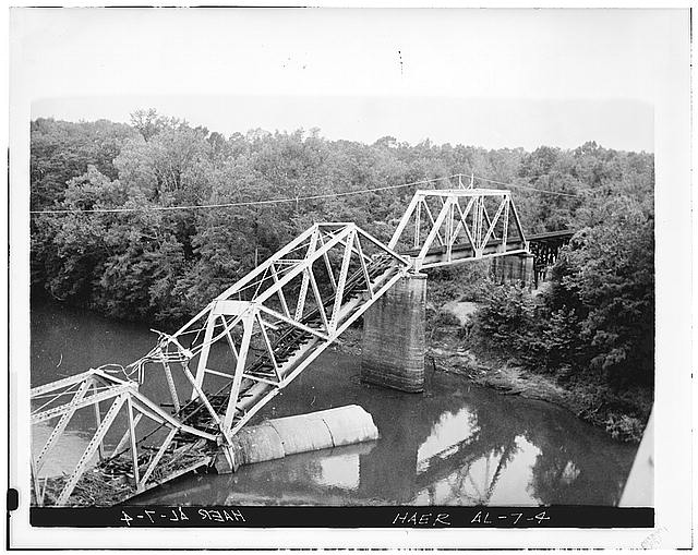 4.  ALABAMA, PICKENS CO., COCHRANE COLLAPSED RAILROAD BRIDGE 1.5 miles N. from Cochrane on Ala. route 17. Western half of collapsed Alabama, Tenn. & Northern RR. Bridge Jack Donnell, Columbus, Ms., photographer, 1973. Copy by Sarcone Photography, Columbs, Ms Sep 1978. - Bridges of the Upper Tombigbee River Valley, Cochrane, Pickens County, AL