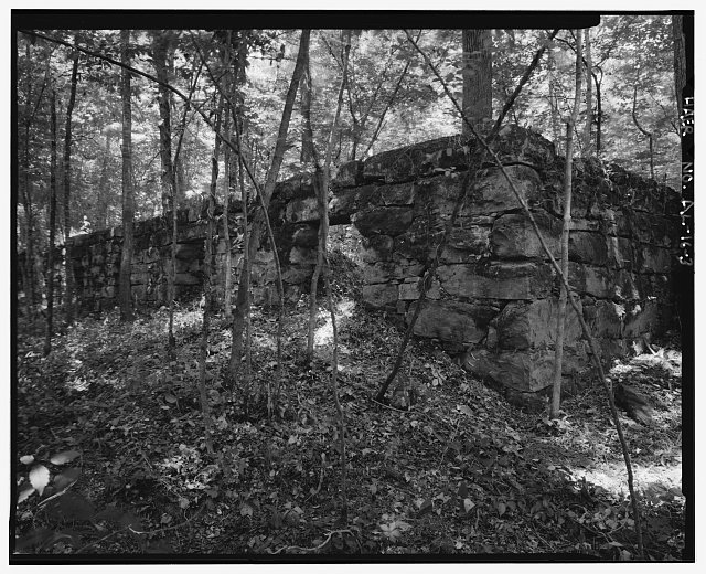 COKE OVEN RETAINING WALL, EXTERIOR SOUTH. - Billy Gould Coal Mine, Confluence of Cahaba River & Buck Creek, Helena, Shelby County, AL