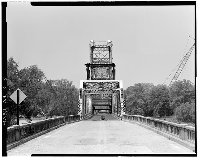 2.  GENERAL VIEW OF BRIDGE, LOOKING WEST - White River Bridge, Spanning White River at U.S. Highway 70, De Valls Bluff, Prairie County, AR