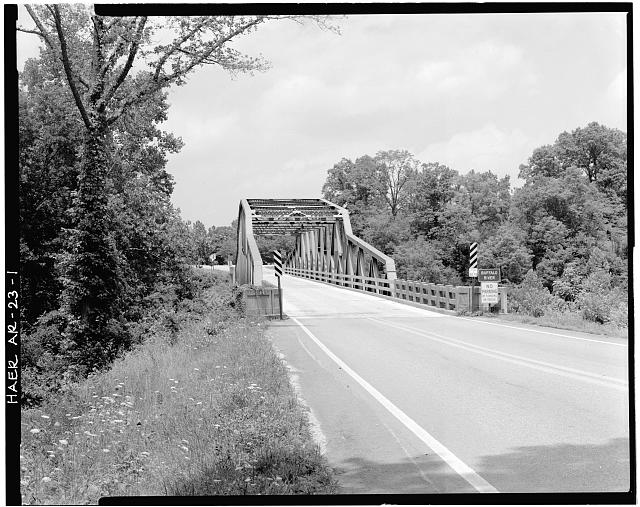 1.  GENERAL VIEW OF PENNSYLVANIA THROUGH TRUSS BRIDGE FROM ROADBED, LOOKING SOUTHWEST - Buffalo River Bridge, Spanning Buffalo River at State Highway 7, Pruitt, Newton County, AR