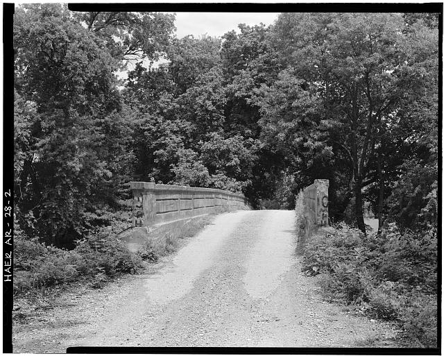 2.  GENERAL VIEW OF BRIDGE, LOOKING SOUTHWEST - Illinois River Bridge, Spanning Illinois River at Benton County Road 3, Siloam Springs, Benton County, AR
