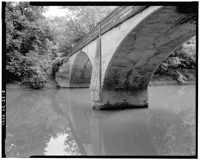 5.  VIEW FROM UPSTREAM SHOWING TRIANGULAR-SHAPED PIER, LOOKING NORTHEAST - Illinois River Bridge, Spanning Illinois River at Benton County Road 3, Siloam Springs, Benton County, AR