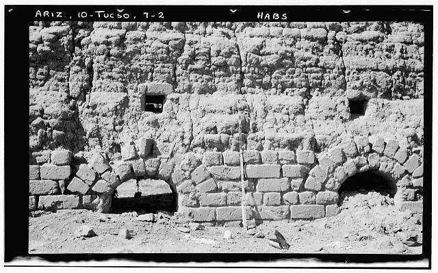 2.  Historic American Buildings Survey John P. O'Neill, Photographer March 3, 1937 DETAIL OF ADOBE BRICKWORK AT ARCHED OPENINGS, LOOKING WEST - Adobe Brick Kilns (Ruins), Tucson, Pima County, AZ