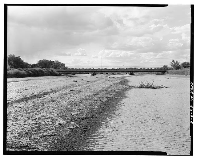 2.  OVERALL VIEW OF BRIDGE AND LITTLE COLORADO RIVER. VIEW TO WEST. - Holbrook Bridge, Spanning Little Colorado River at AZ 77, Holbrook, Navajo County, AZ