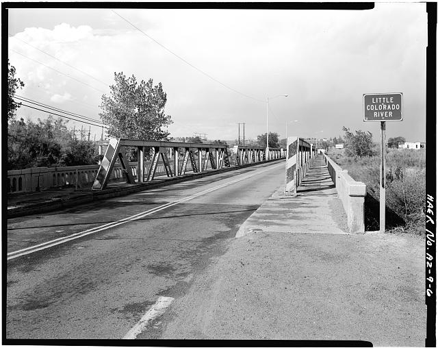 6.  SOUTH PORTAL. VIEW TO NORTH. - Holbrook Bridge, Spanning Little Colorado River at AZ 77, Holbrook, Navajo County, AZ