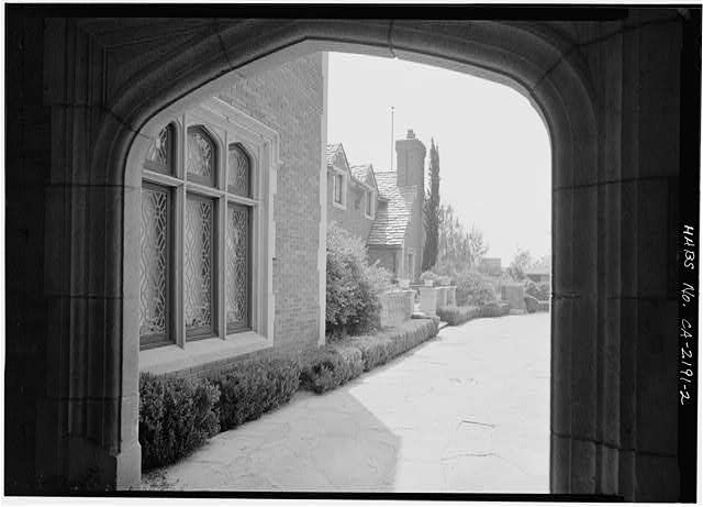 2.  ENTRANCE COURT THROUGH PORTE-COCHERE - Max Busch House, 160 South San Rafael Street, Pasadena, Los Angeles County, CA