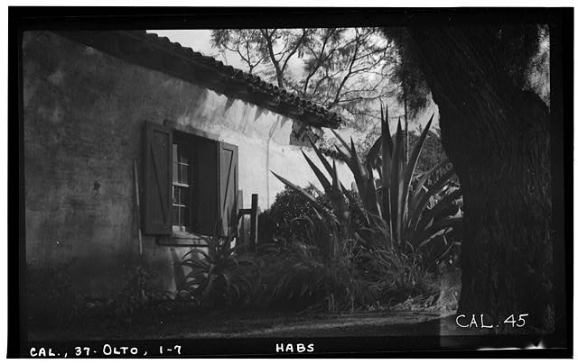 7.  Historic American Buildings Survey Photographed by Henry F. Withey December 1936 WINDOW DETAIL (EXTERIOR, SOUTH ELEVATION) - Jose Antonio Estudillo House, Mason Street & San Diego Avenue, Old Town, San Diego, San Diego County, CA