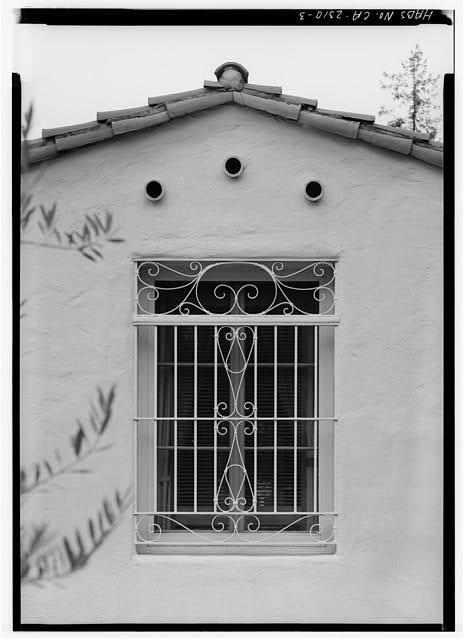 3.  SOUTHEAST FRONT, DETAIL OF WINDOW AT EAST END - Spurr-Clotfelter Rowhouse, 6112 Paseo Delicias, Rancho Santa Fe, San Diego County, CA
