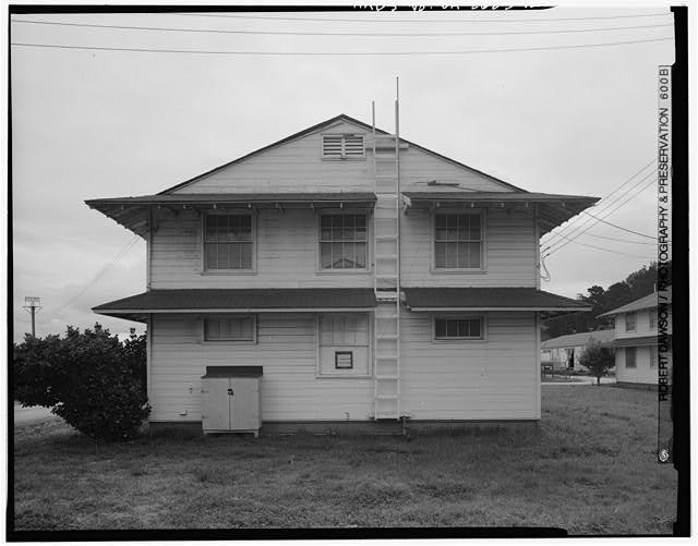 Building No. 902, west side - Presidio of San Francisco, Enlisted Men's Barracks Type, West end of Crissy Field, between Pearce & Maudlin Streets, San Francisco, San Francisco County, CA
