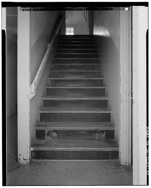 Building No. 909, stairway between first and second floors (typical for barracks) - Presidio of San Francisco, Enlisted Men's Barracks Type, West end of Crissy Field, between Pearce & Maudlin Streets, San Francisco, San Francisco County, CA