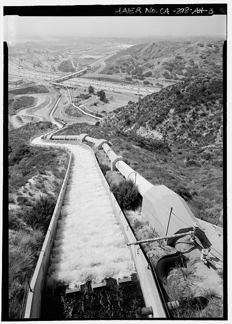 VIEW SOUTH/SOUTHEAST LOOKING DOWN ON 2ND AQUEDUCT AND 1ST AQUEDUCT CASCADES TOWARDS FILTRATION PLANT AND LOS ANGELES RESERVOIR - Los Angeles Aqueduct, Cascades Structures, Los Angeles, Los Angeles County, CA