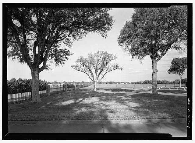 VIEW OF FLAT MARKERS, SECTIONS E AND F.  VIEW TO WEST - Fort Lyon National Cemetery, 15700 Country Road HH, Las Animas, Bent County, CO