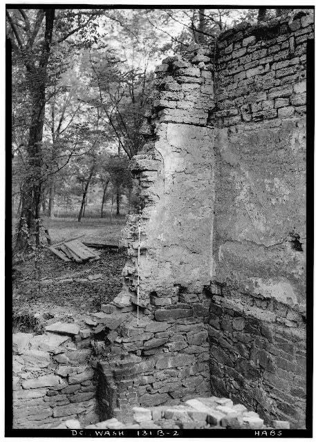 75.  Historic American Buildings Survey John O. Brostrup, Photographer October 15,1936 10:15 A. M. ONE-HALF DETAIL OF NORTHEAST CORNER OF UNIT C, NORTH WALL. - General John Mason House, Analostan Island or Theodore Roosevelt Island, Washington, District of Columbia, DC