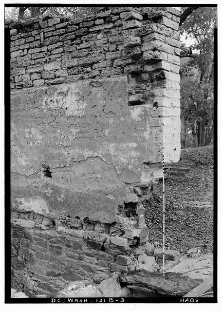 76.  Historic American Buildings Survey John O. Brostrup, Photographer October 16, 1936 10:20 A. M. ONE-HALF DETAIL OF NORTHEAST CORNER OF UNIT C, EAST WALL - General John Mason House, Analostan Island or Theodore Roosevelt Island, Washington, District of Columbia, DC