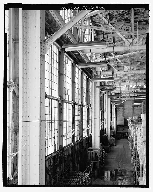 INTERIOR OF SOUTH WALL LOOKING WEST, TAKEN FROM MEZZANINE - U.S. Naval Air Station, Aircraft Repair Shop, Pensacola, Escambia County, FL
