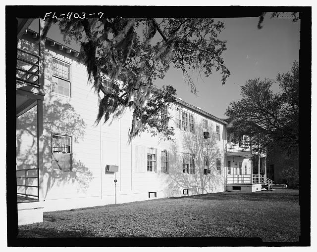 West front, View towards Southeast. - U.S. Naval Air Station, Lodge, Southeast corner of West and North Avenues, Pensacola, Escambia County, FL