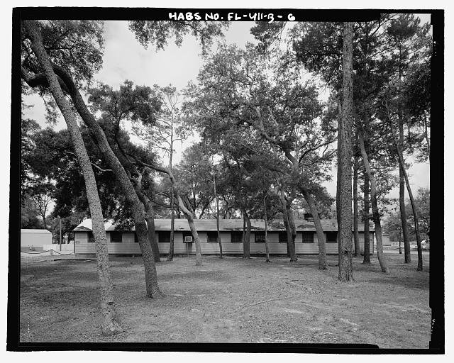 EAST (REAR) FACADE, LOOKING WEST - Eglin Air Force Base, Storehouse & Company Administration, Southeast of Flager Road, Nassau Lane, & southern edge of Weekly Bayou, Valparaiso, Okaloosa County, FL