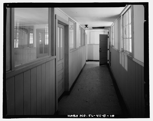 INTERIOR HALLWAY, LOOKING SOUTH - Eglin Air Force Base, Storehouse & Company Administration, Southeast of Flager Road, Nassau Lane, & southern edge of Weekly Bayou, Valparaiso, Okaloosa County, FL