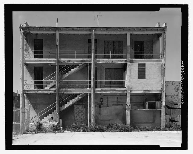 East elevation, view looking east - Dade Apartments, 403-405 North Miami Avenue, Miami, Miami-Dade County, FL