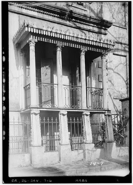 6.  Historical American Buildings Survey L. D. Andrew, Photographer Dec. 30, 1936 SIDE PORCH (SOUTH) - Richardson-Maxwell-Owen-Thomas House, 124 Abercorn Street, Savannah, Chatham County, GA
