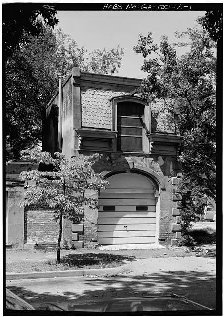 1.  SOUTH FRONT AND WEST SIDE - Samuel P. Hamilton House, Carriage House, 330 Abercorn Street, Savannah, Chatham County, GA
