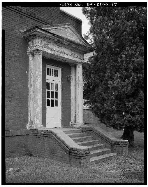 17.  SOUTH FRONT OF WEST WING, DETAIL OF DOOR AND STOOP - Plains School, Bond Street (opposite Paschal Street), Plains, Sumter County, GA