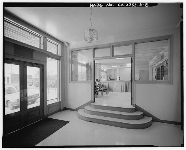 8.  ADMINISTRATION BUILDING. INTERIOR OF LOBBY, WITH OFFICE SHOWING THROUGH OPEN DOORS. - Techwood Homes, Store & Administration Building, 114-138 Merrit Avenue, Atlanta, Fulton County, GA