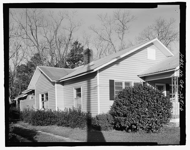 3/4 VIEW SOUTHEAST CORNER - Raleigh Brannen House, 339 South Main Street, Statesboro, Bulloch County, GA