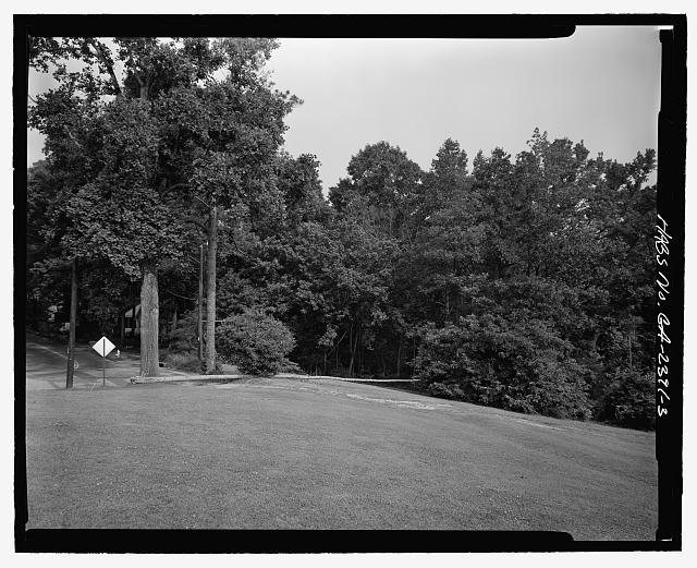 FACING NORTHWEST OF NORTHWEST CORNER OF CANDLER PARK - Candler Park Historic District, Roughly bounded by Moreland, Dekalb, McLendon & Harold Avenues, Matthews Street  & Clifton Terrace, Atlanta, Fulton County, GA