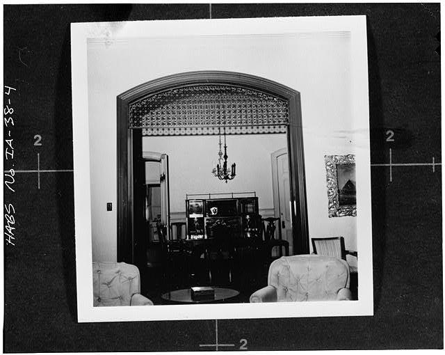 4.  Photocopy of photograph (from Fort Dodge Messenger, no issue or date known) Photographer and date unknown INTERIOR, FIRST FLOOR, DETAIL OF ARCHED OPENING BETWEEN LIVING ROOM AND DINING ROOM - Swain-Vincent House, 824 Third Avenue, South, Fort Dodge, Webster County, IA
