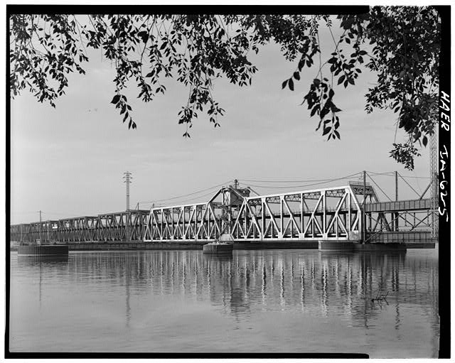 5.  SWING SPAN FROM NORTHWEST - Fort Madison Bridge, Spanning Mississippi River at U.S. Highway 61, Fort Madison, Lee County, IA