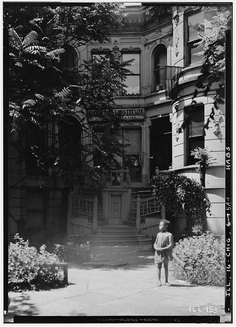 1.  Historic American Buildings Survey Robert R. Tufts, Photographer August 1935 NORTH WEST CORNER - Aldine Square, Smith House, Chicago, Cook County, IL