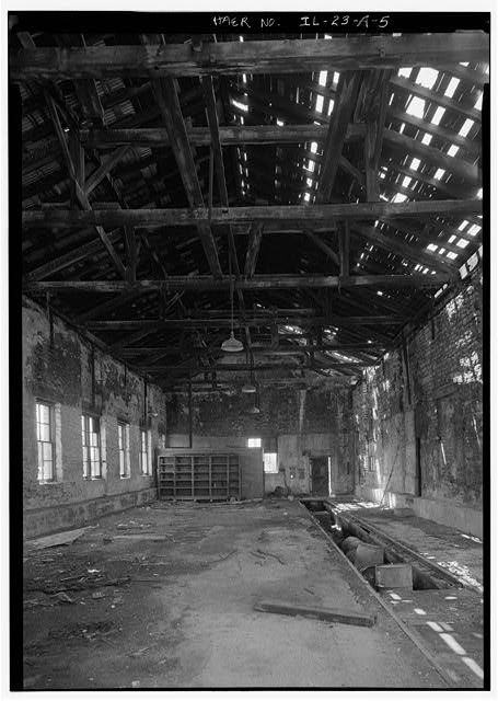 5.  GENERAL VIEW OF INTERIOR OF ORIGINAL FREIGHT DEPOT, LOOKING SOUTH - Illinois Central Railroad, Freight Depot No. 1, North of First Street, east of Union Street, La Salle, La Salle County, IL