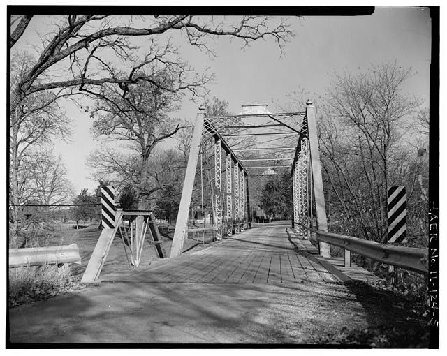5.  APPROACH SPAN AND WEST PORTAL - Butzow Bridge, Crescent City, Iroquois County, IL