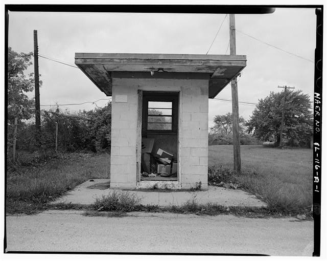 1.  SENTRY GUARDHOUSE, FRONT VIEW, LOOKING NORTH - NIKE Missile Base C-84, Sentry Guard House, Quentin Road at entrance to base, Barrington, Cook County, IL