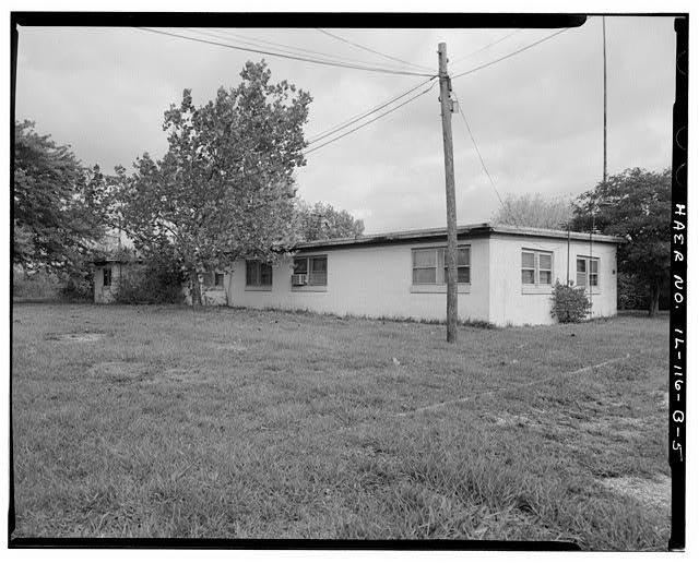5.  ADMINISTRATION BUILDING, REAR AND LEFT SIDES, LOOKING NORTHEAST. - NIKE Missile Base C-84, Administration Building, North of Launch Area Entrance Drive, Barrington, Cook County, IL