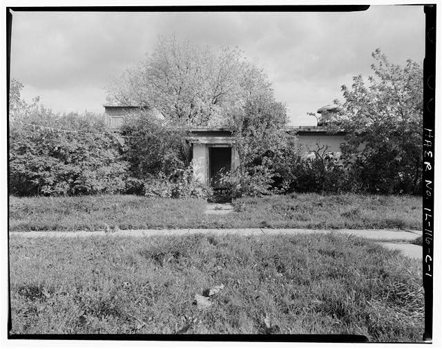 1.  MESS HALL, FRONT, LOOKING EAST. - NIKE Missile Base C-84, Mess Hall, North of Launch Area Entrance Drive, east of Officers' Quarters & Administration Building, Barrington, Cook County, IL