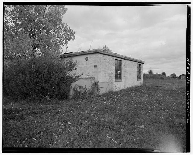 2.  PUMP HOUSE, REAR AND LEFT SIDES, LOOKING NORTHEAST. - NIKE Missile Base C-84, Pump House, North of Launch Area Entrance Drive, southwest of Missile Assembly Area, Barrington, Cook County, IL