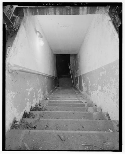 7.  MAGAZINE P STAIRWAY INTO THE INTERIOR, LOOKING WEST. - NIKE Missile Base C-84, Underground Storage Magazines & Launcher-Loader Assemblies, Easternmost portion of launch area, Barrington, Cook County, IL
