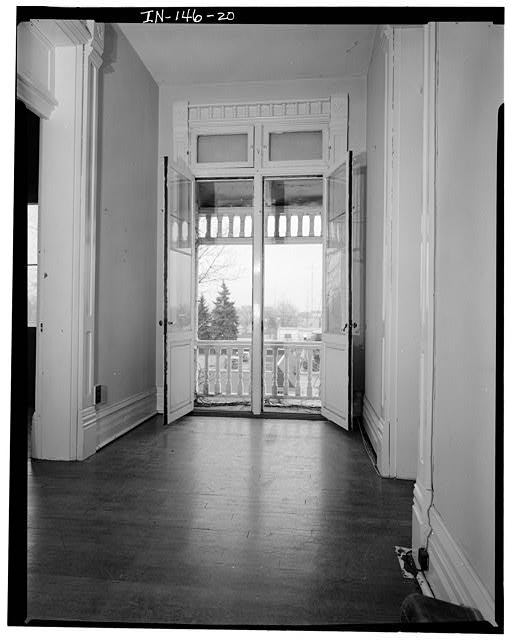 20.  SECOND FLOOR HALL, LOOKING EAST - Thomas Harrison House, 514 West Main Street, Richmond, Wayne County, IN