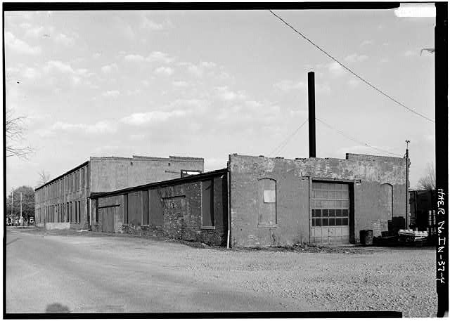4.  GENERAL VIEW OF WEST(REAR) AND NORTH SIDE FROM WEST - Anderson Carriage Manufacturing Company, Twenty-fifth & Walton Streets, Anderson, Madison County, IN