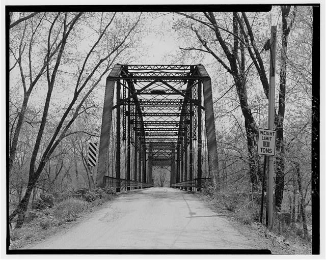 6.  North approach, looking south towards bridge. - River Vale Bridge, Spanning White River on County Road 27, Bedford, Lawrence County, IN