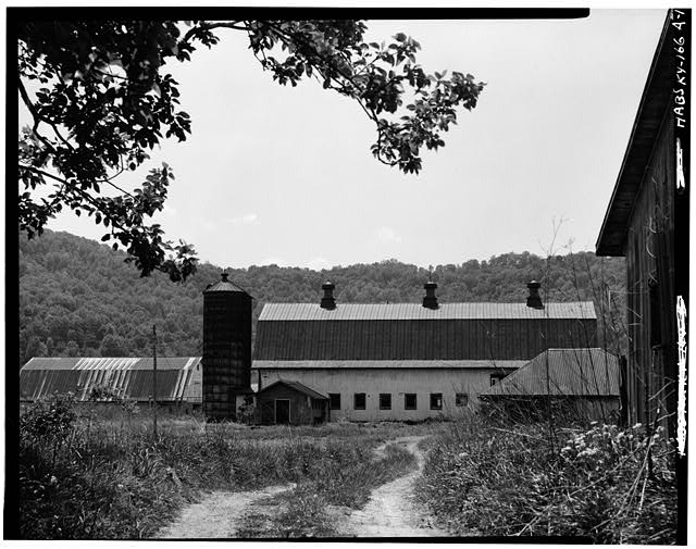 1.  BARN, SOUTH OF HOUSE - Thomas J. Bruce Barn, State Route 8, Vanceburg, Lewis County, KY