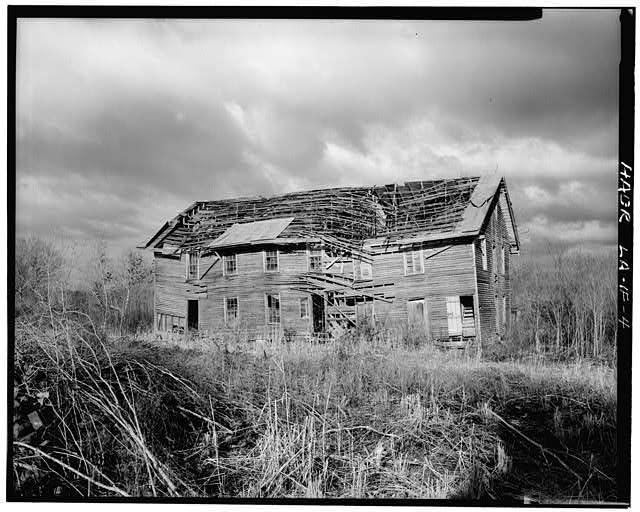 4.  View of east elevation. - Laurel Valley Sugar Plantation, Boarding House, 2 miles South of Thibodaux on State Route 308, Thibodaux, Lafourche Parish, LA