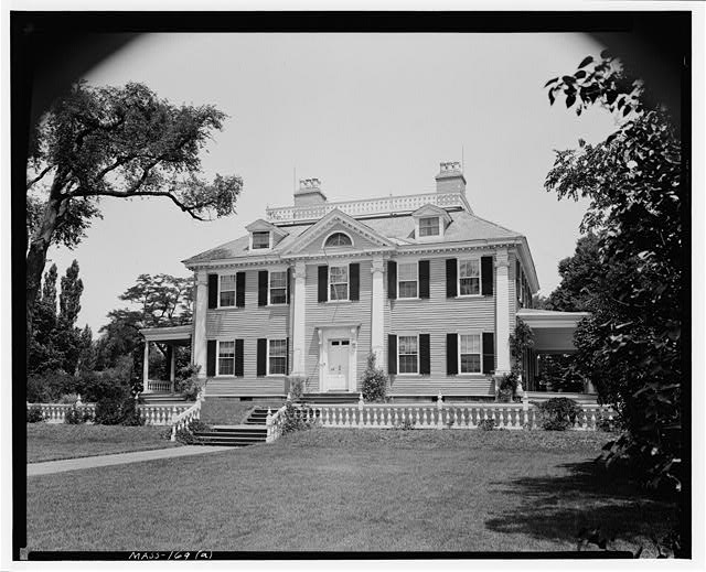 5.  Historic American Buildings Survey Frank O. Branzetti, Photographer July 8, 1940 (a) EXT.- VIEW OF HOUSE, LOOKING NORTH - Henry W. Longfellow Place, 105 Brattle Street, Cambridge, Middlesex County, MA