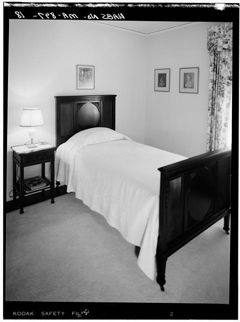 18.  SECOND FLOOR, BEDROOM, VIEW LOOKING NORTHWEST - John Fitzgerald Kennedy Birthplace, 83 Beals Street, Brookline, Norfolk County, MA