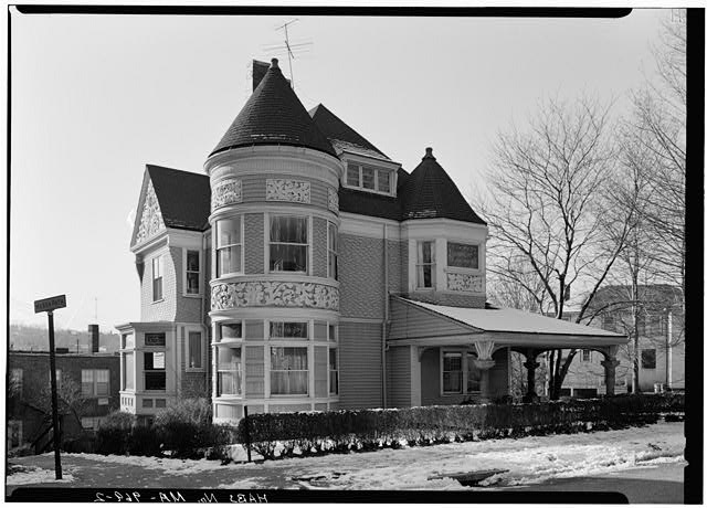 2.  EXTERIOR FROM NORTHEAST - Lynch-O'Gorman House, 41 Mason Terrace, Brookline, Norfolk County, MA