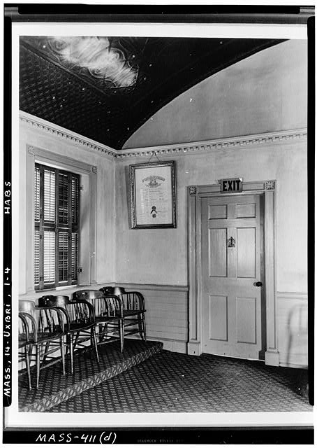 4.  Historic American Buildings Survey Arthur C. Haskell, Photographer Nov. 23, 1936 (d) INT.- SOUTHWEST CORNER OF MASONIC LODGE ROOM - Masonic Building & Courthouse, Uxbridge, Worcester County, MA