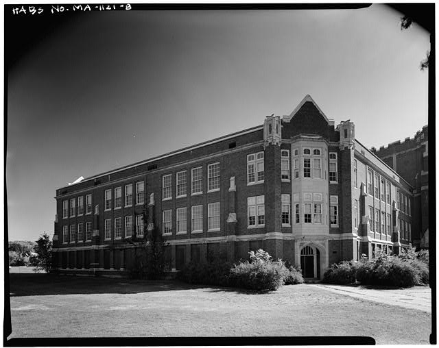8.  VIEW EAST, NORTHWEST SIDE WING, ENTRANCE AND ELEVATIONS - John Wingate Weeks Junior High School, Hereward & Rowena Streets, Newton Center, Middlesex County, MA